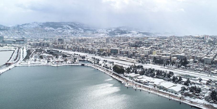 Samsun'a yılın ilk karı düştü