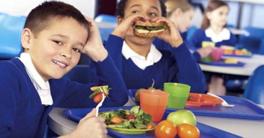 Düzenli beslenme okul başarısını artırıyor