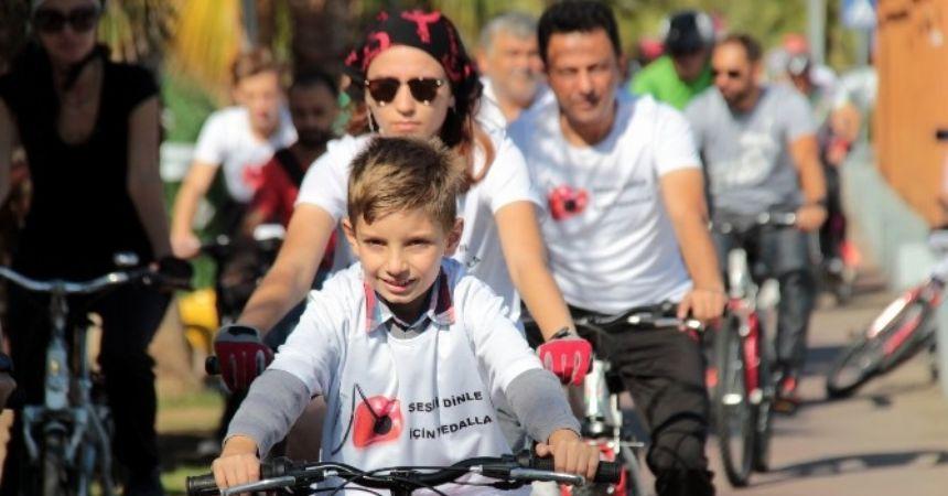 Sağlık için 30 kilometre pedal çevirdiler