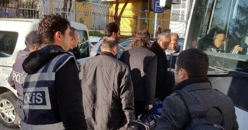 8 akademisyen tutuklandı