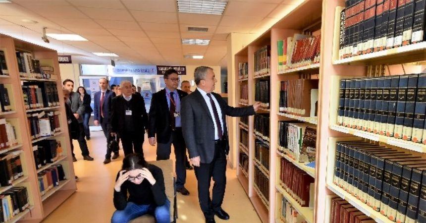 Rektör Bilgiç: Kütüphaneler olmazsa olmazımız