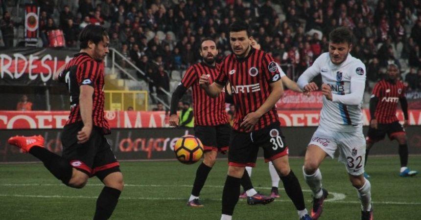 Trabzon 10 kişiyi geçemedi:0-0