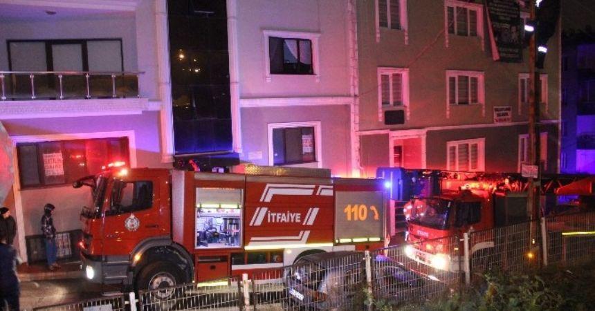 Pano yandı 5 kişi zehirlendi