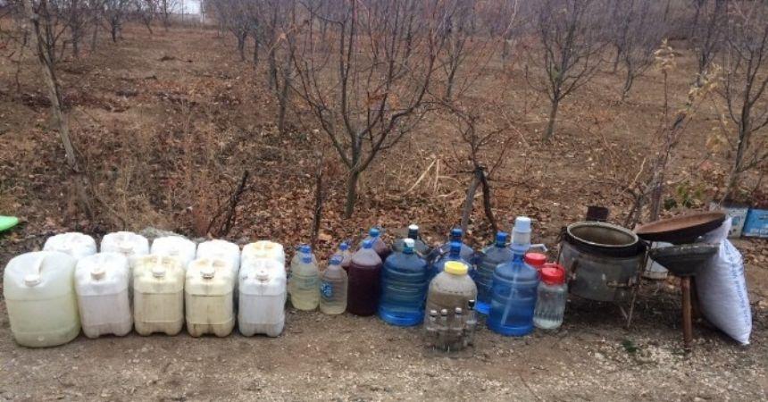 Amasya'da 285 litre kaçak içki ele geçirildi