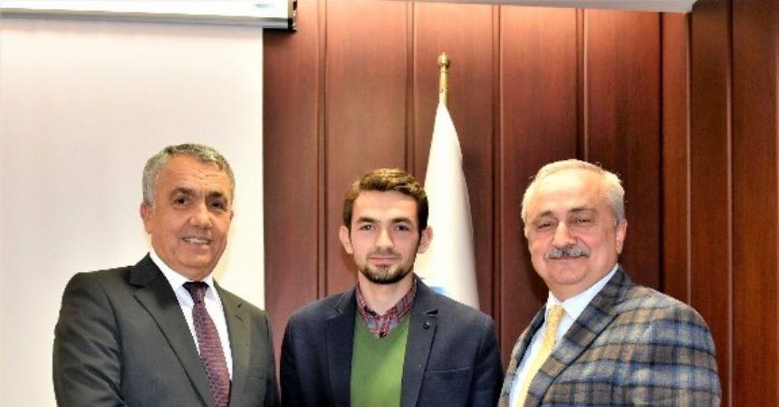 Rektör Bilgiç OMÜ birincilerini kutladı