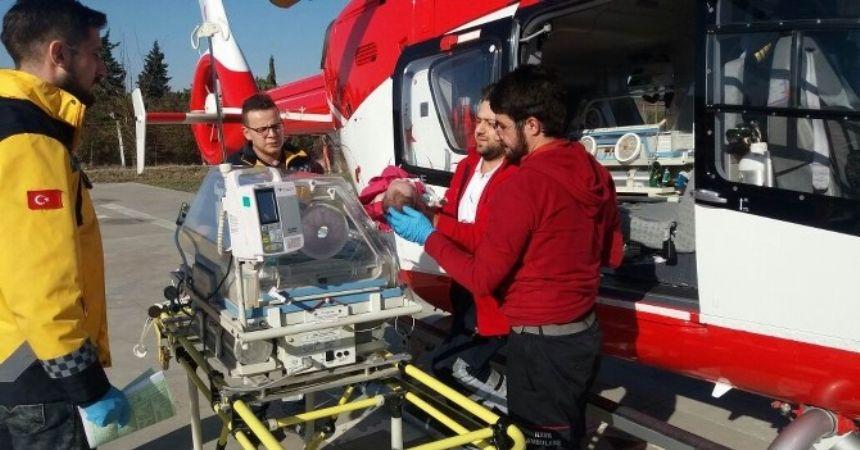 Ambulans helikopter Sinem için havalandı