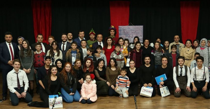 Canik'te Tiyatro Festivali başladı