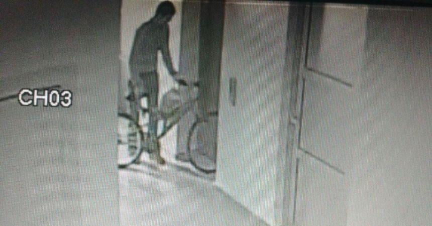 Bisiklet hırsızlığı kamerada