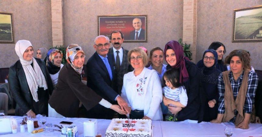 Başkan Yılmaz'dan kadınlara teşekkür