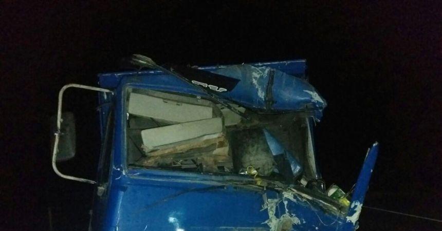 Tokat'ta kamyon TIR'a çarptı: 1 ölü