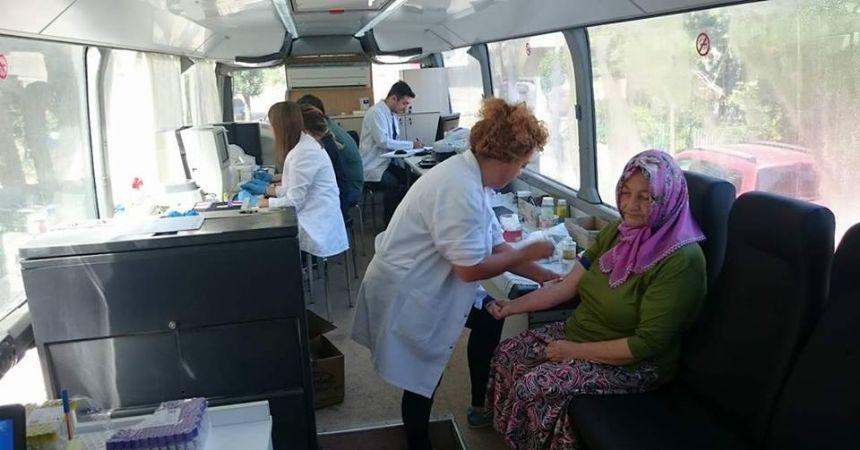 Gezici sağlık otobüsü mahalleleri dolaşıyor