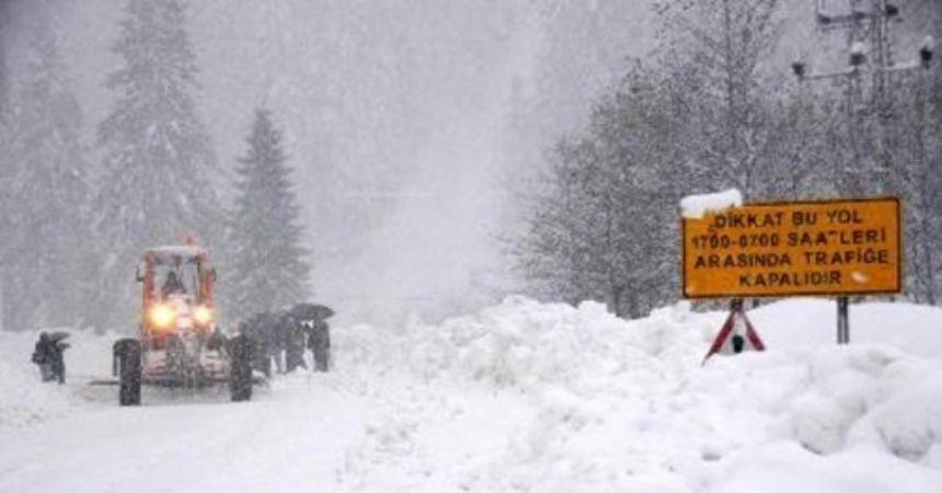Ovit'te kar yağışı ulaşımı olumsuz etkiliyor