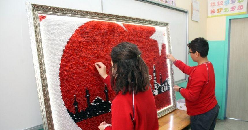 20 bin çiviyle Türk Bayrağı yaptılar