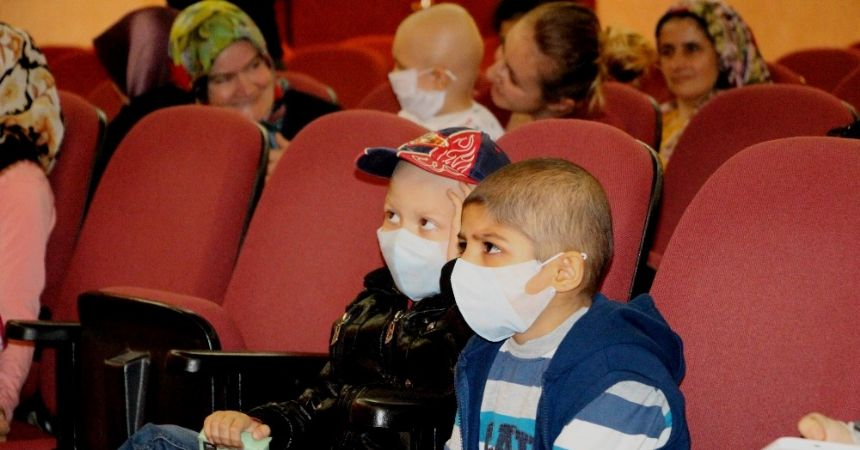 Losemili çocuklara tiyatrolu moral