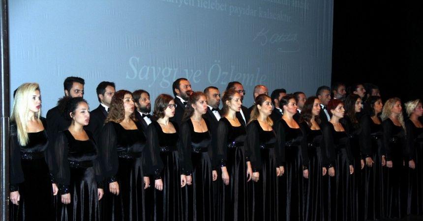 Atatürk, AKM'de törenle anıldı