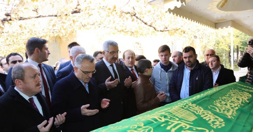 Ağbal, amcasının cenaze törenine katıldı