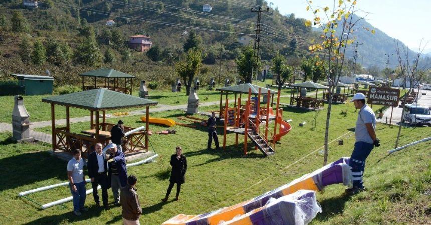 Piknik alanı çocuk parkına kavuştu
