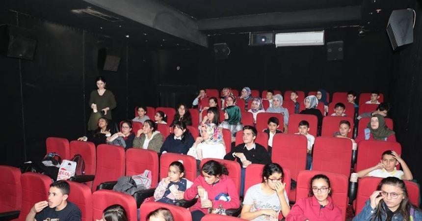Fatsa'da çocukların sinema keyfi