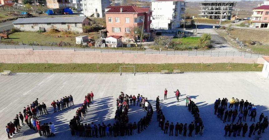 Liselilerden Kudüs'e destek etkinliği