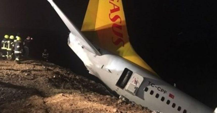Uçak denize düşecekken çamura saplandı!