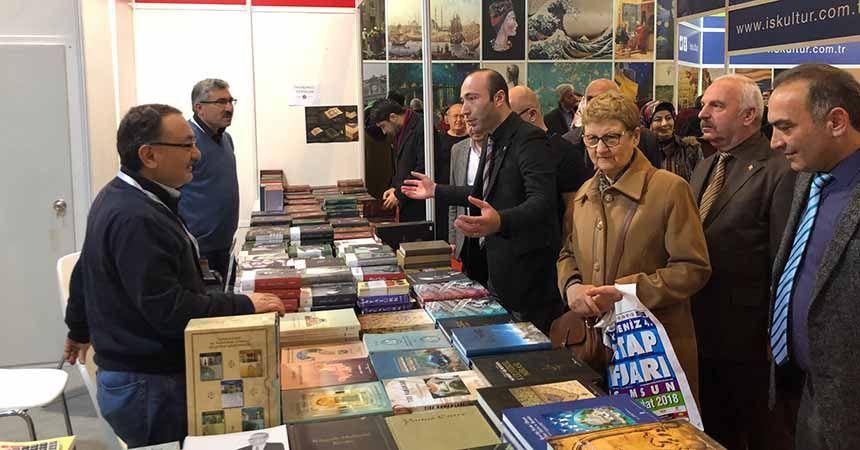 MHP'den kitap fuarına yoğun ilgi