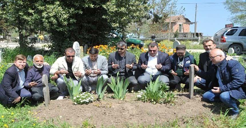 Gazeteci Namık Azgın mezarı başında anıldı