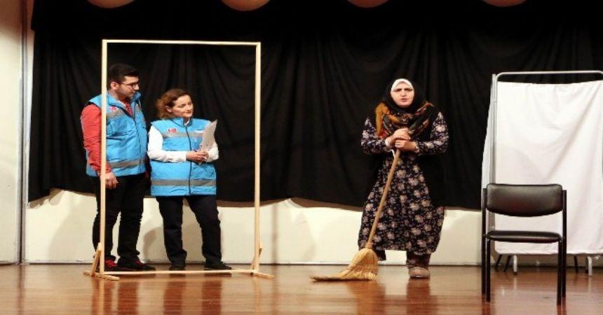 Sağlıkçılardan tiyatroluk anılar