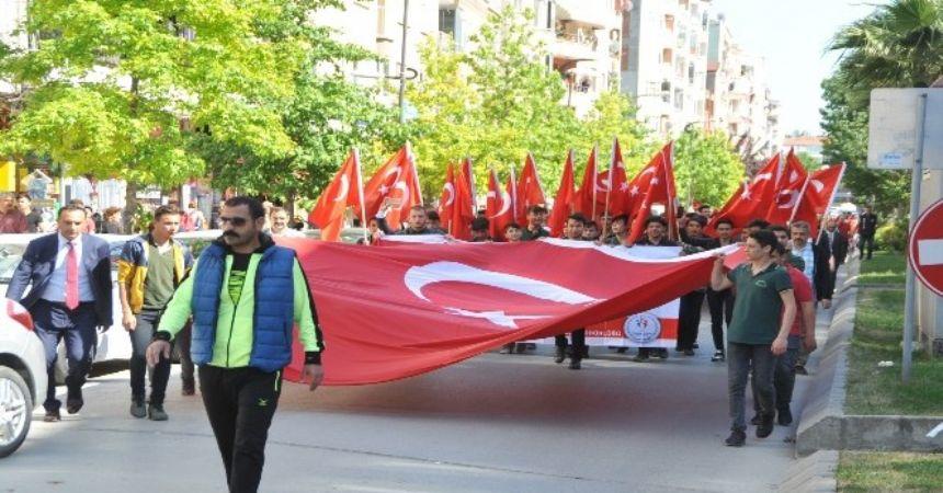 Bafra'da Gençlik Yürüyüşü
