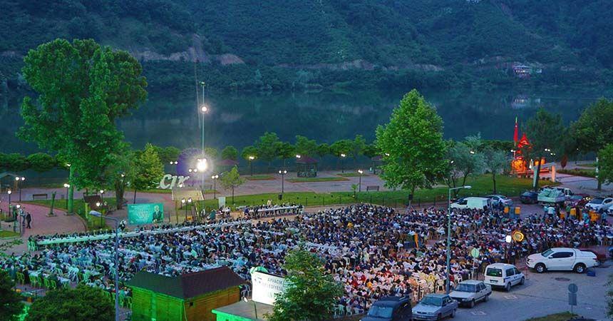Ayvacık'ta 2 bin kişi iftar sofrasında buluştu