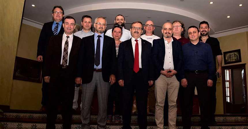 Gazetecilerden Şahin'e ziyaret
