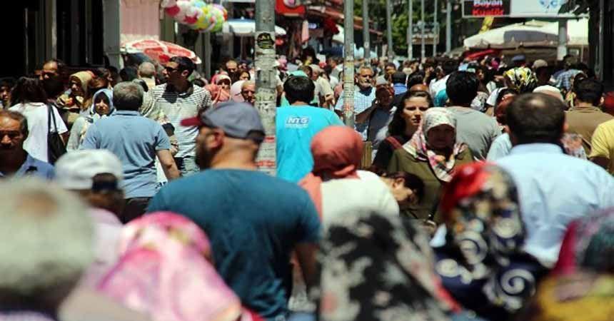 Çarşı-pazarda bayram hareketliliği