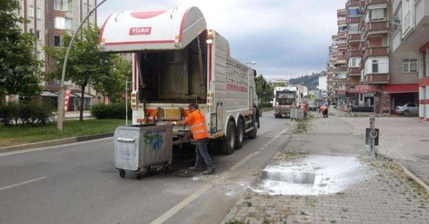 Tekkeköy'de çöp konteynerleri dezenfekte edildi