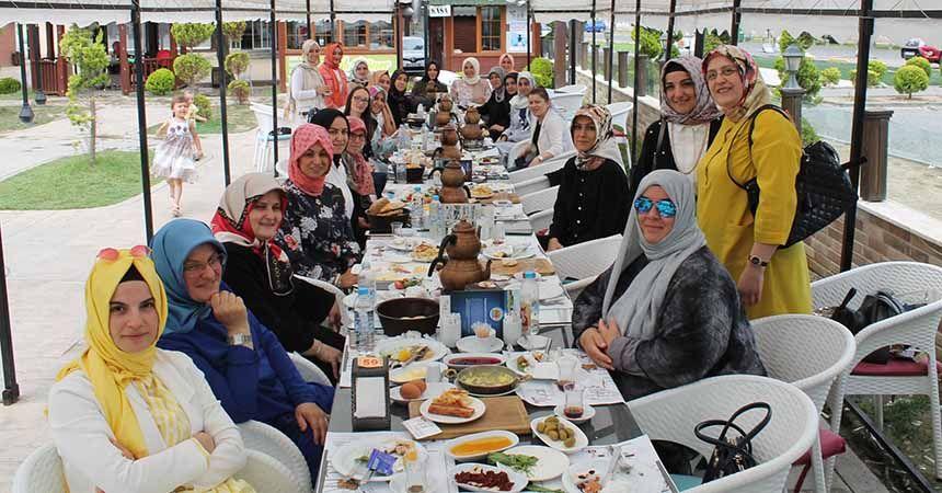 MÜSİAD'ın hanımları kahvaltıda buluştu