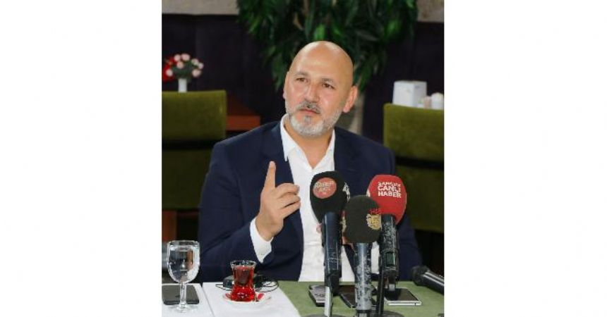 AK Parti sahaya iniyor