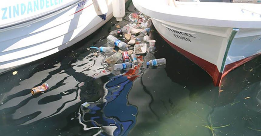 Denize çöp atanlar uyarıldı