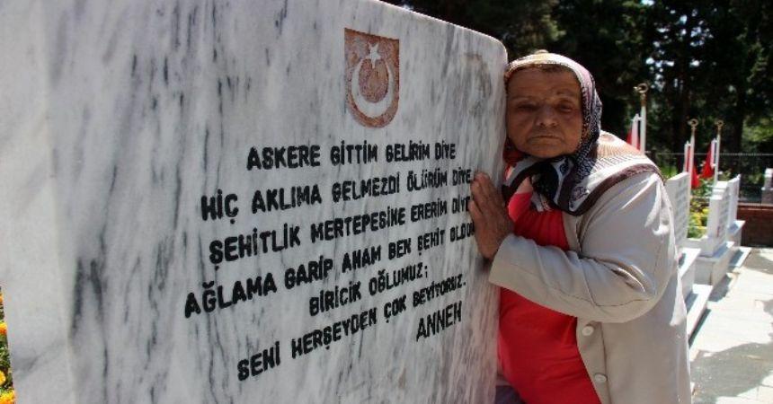 Şehidin mektubundaki sözleri mezar taşında