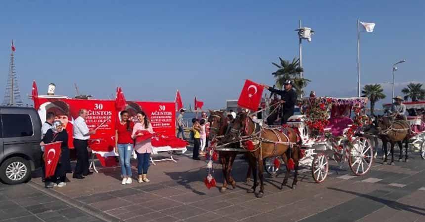 Büyükşehirden Samsunlulara Türk Bayrağı hediyesi
