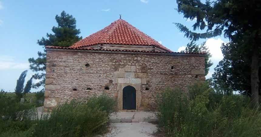 600 yıllık türbe restore edildi