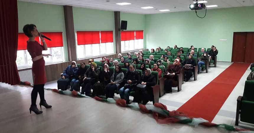 Velilere okula uyum süreci seminerleri