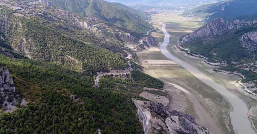 Baraj manzarası hayrete düşürdü