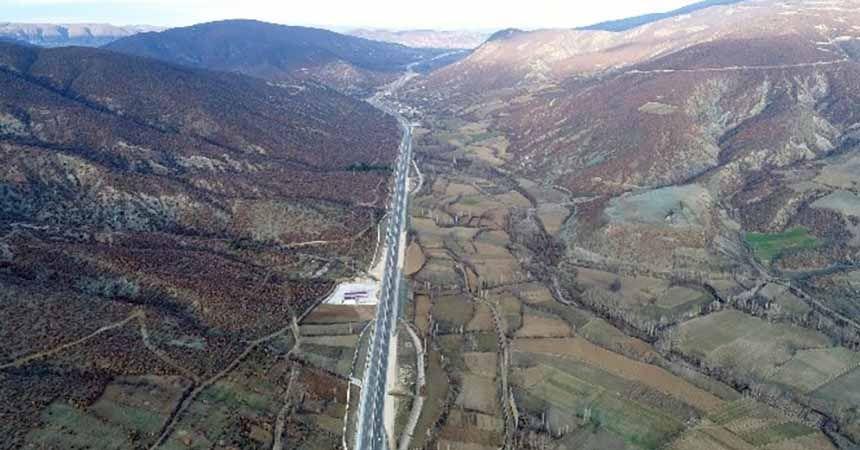 Karayolları 7. Bölge'nin 11 projesi devam ediyor