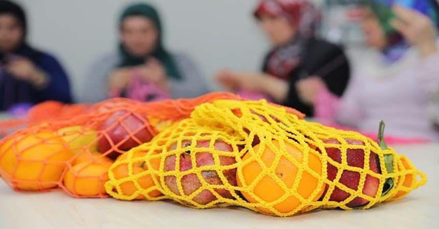 Plastik poşet yerine rengarenk fileler