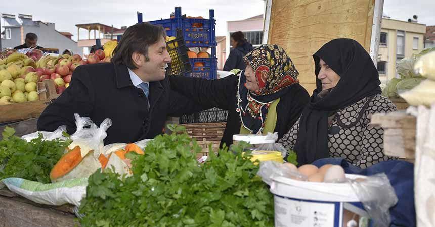 Başkan Kıyma pazar esnafını ziyaret etti