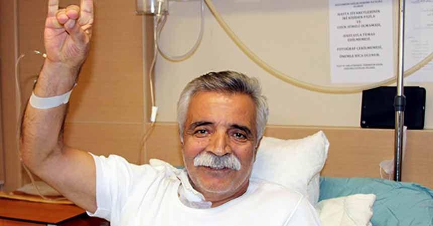 Ozan Arif yaşamını yitirdi