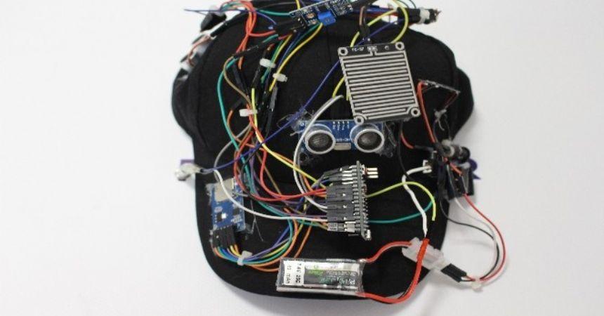Öğrenciden konuşan şapka