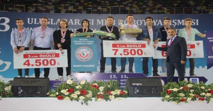 Robotlar Samsun'da yarıştı