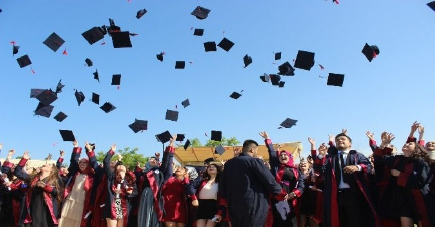 Çarşamba MYO 350 mezun verdi