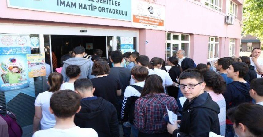Öğrenciler LGS'de terledi