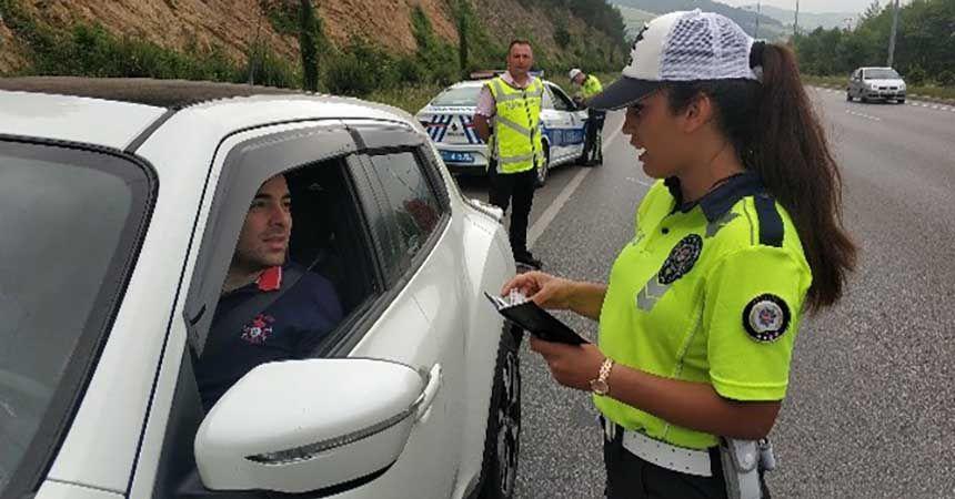 Trafik ekipleri denetimlerini artırdı