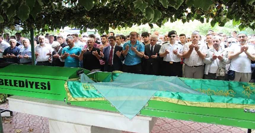 Kazada ölen iki kardeşe gözyaşı